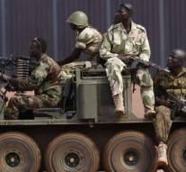Mali: au moins huit morts dans l'attaque contre un camp de l'armée