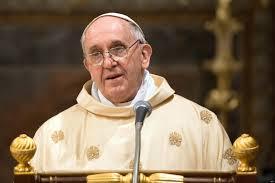 Le pape nomme la première femme à occuper un poste diplomatique supérieur au Vatican suite à la pression exigeant à l'Eglise de donner aux femmes des postes de hautes responsabilités