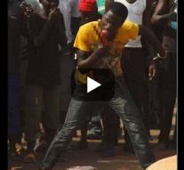 Vidéo – Centrafrique : Mad Dog, le chrétien qui mange la chair des musulmans  Devant les caméras