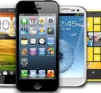 Une étude révèle que les smartphones rendent les gens plus idiots