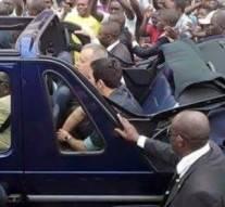 Gabon : Le président Ali Bongo devient le chauffeur de Lionel Messi. Mais quelle honte !
