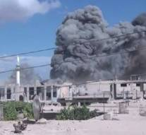 Une unité de djihadistes dépose les armes en Syrie