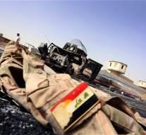 La coalition USA-NATO  bombarde l'armée irakienne