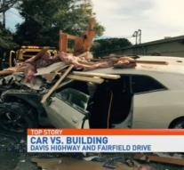 Etats-Unis: Il crashe sa voiture dans un immeuble en tentant de voyager dans le temps