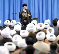 L'Ayatollah Khameni : « L'Arabie Saoudite, un régime sanguinaire qui verse le sang rien que pour avoir été critiqué »