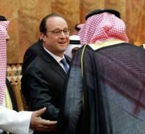 La France décore le terrorisme, la lapidation et la décapitation