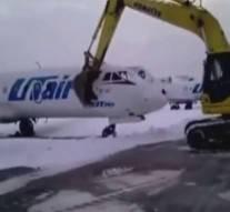 Licencié par l'aéroport, il décide de détruire un avion avant de partir
