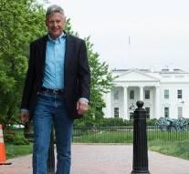 Présidentielle américaine: le premier candidat officiel dévoilé