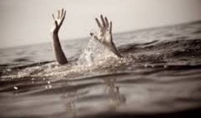 Un pasteur tente d'imiter Jésus en marchant sur l'eau et se fait dévorer par des crocodiles