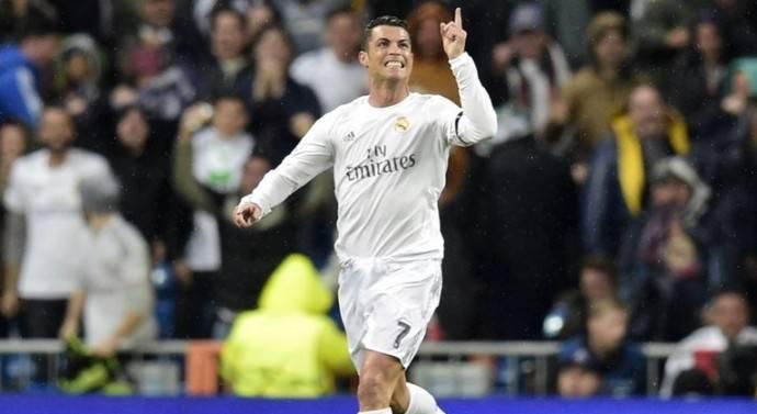 Roberto Carlos: «Cristiano Ronaldo est le meilleur joueur du monde»