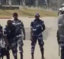 Gabon: la police charge violemment des opposants, un caméraman tabassé