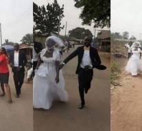 La mariée dit non et s'enfuit de l'église après avoir découvert que son fiancé n'est pas un riche pétrolier
