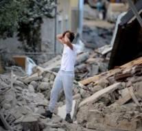 Séisme en Italie: au moins 159 morts