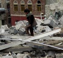 L'Arabie Saoudite bombarde une école au Yémen. Plusieurs enfants tués