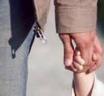 Il coupe les mains de l'homme qui a tenté de violer sa fille