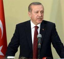 La Turquie accuse la France de soutenir des organisations terroristes en Syrie et en Libye