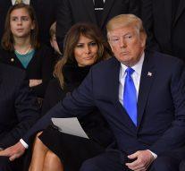 Quand la main de Trump «caresse» un genou autre que celui de Melania