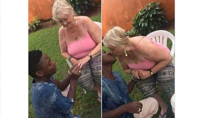 C'est quoi le projet? Un jeune d'à peine 16 ans s'engage avec une dame plus vieille que sa  grand-mère (photos)