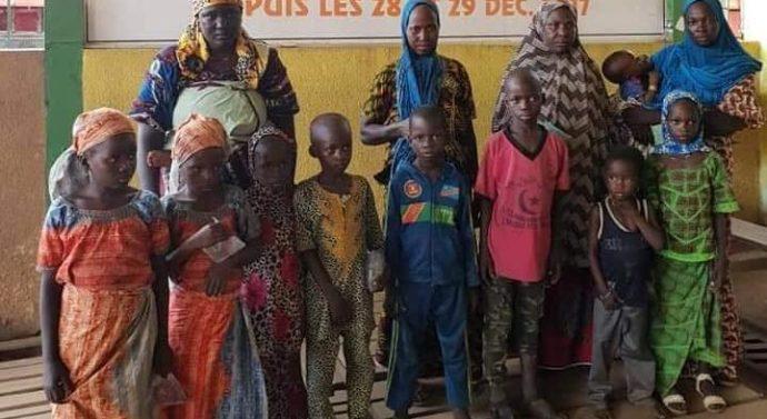 2 bus, remplis d'enfants nigériens destinés à la mendicité à Abidjan, arrêtés en Côte d'Ivoire