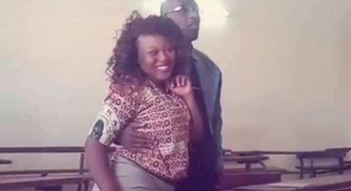 Un prof, qui voulait embrasser son élève en classe lors d'une séance photo, a été viré