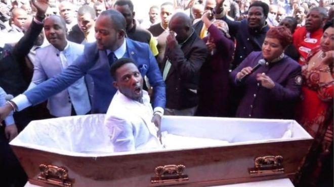 Le faux mort de la fausse résurrection est décédé, cette fois-ci pour de vrai