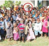 Rencontre avec un homme d'affaires ougandais âgé de 65 ans, avec 13 femmes et 266 enfants!