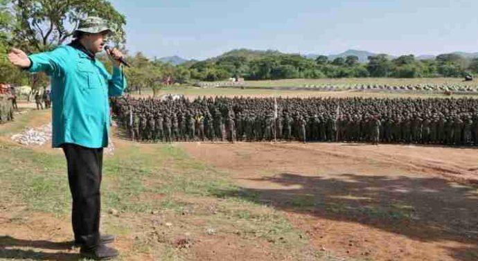Maduro demande à l'armée de se préparer à repousser l'attaque américaine sur le Venezuela