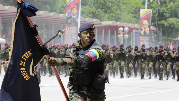 Le président vénézuélien, Nicolas Maduro, appelle au dialogue le jour de l'indépendance