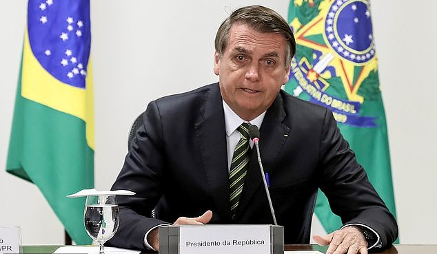 Le Brésil acceptera une aide de 20 millions de dollars pour lutter contre les incendies de forêt dans l'Amazonie à condition que les dirigeants du G7 le laissent dépenser à sa guise