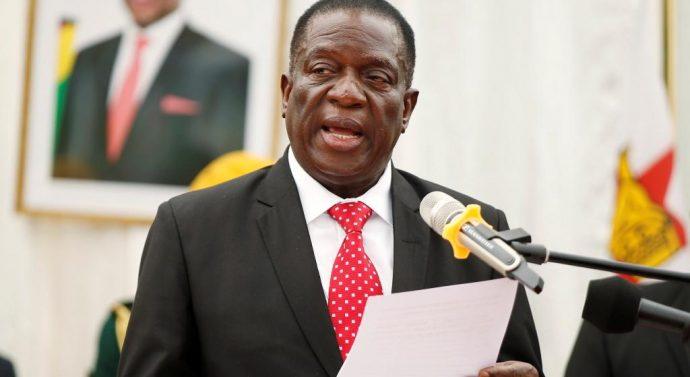 «L'Europe a exterminé ses animaux sauvages et veut nous dicter comment préserver la faune, nous qui avons réussi à préserver les nôtres», le président zimbabwéen