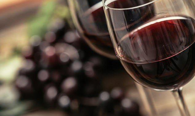 Selon une étude, le vin rouge facilite la digestion et aide à éviter l'obésité