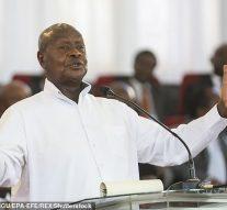 L'Ouganda annonce le projet de loi  qui prévoit la peine de mort pour les homosexuels