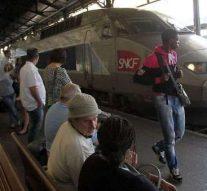 Complètement nυ, il crie «Allahu akbar» dans un train à Reims et provoque son évacuation