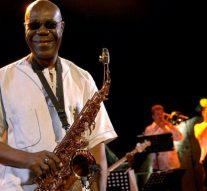 Le célèbre musicien de jazz Manu Dibango décède à l'âge de 86 ans des suites d'un coronavirus