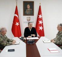La Turquie abat deux avions de guerre syriens et détruit 100 chars de l'armée syrienne