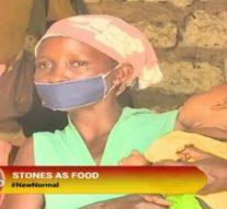 Maman affamée prépare des pierres pour ses enfants affamés en attendant qu'ils s'endorment
