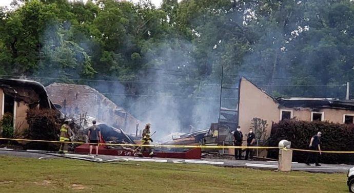 Une église qui avait refusé de fermer ses portes en cette période de coronavirus a été brûlée et détruite