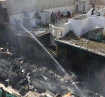 Au moins 100 morts lors d'un crash d'avion