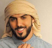 Omar Borkan Al Gala, l'homme expulsé de l'Arabie Saoudite car «trop beau» aux yeux des femmes