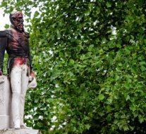Une statue du roi Léopold II a été renversée par les autorités belges