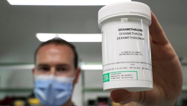 L'OMS demande une production rapide de dexaméthasone, un remède qui  soigne même les pires cas de COVID-19