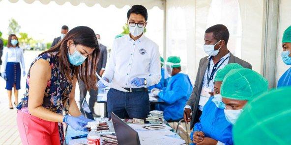 Deux législateurs de Madagascar «meurent d'un coronavirus»