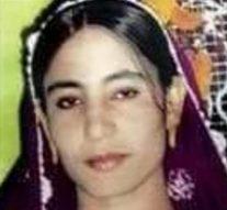Une femme de 24 ans est lapidée à mort «par son mari et son frère» lors d'un meurtre d'honneur au Pakistan